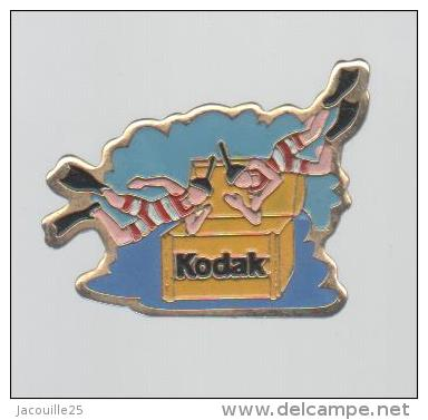 903_001_pins-pin-s-plongee-photo-kodak-photographie.jpg